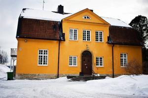 Från och med förra veckan tjänar den gamla läkarbostaden på Frösön som boende åt ungdomar med problem.