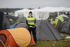 Polis under Bråvallafestivalen.