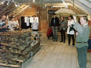 Invigningen ägde rum på Skrädhusvinden där arbetare en gång sorterade malm. Bild: Privat.