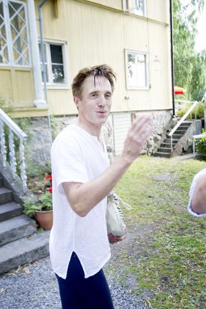 Daniel Hallbygård spelar teater för första gången i sitt liv.