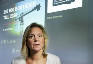 Magdalena Andersson (S) presenterade i går hur nya bostäder ska bota bostadsbristen. Det är förstås samtidigt ett sätt att skapa nya jobb.