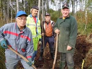 Jobbargäng. Några som jobbat i spåret i Gårdskär är, från vänster, Bertil Grönkvist, Örjan Skoglund, Tony Persson och Kjell-Åke Ederyd.