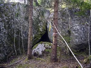 Herr Olofs bure. Den här grottan,