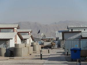 Campen ligger nära bergen i norra Afghanistan. Foto: Linda Strand.