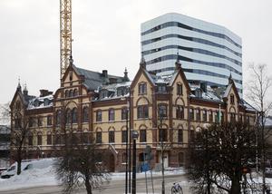Erfarenheterna från Umeå visar att ett höghus följs av fler höghus och att det här är något som man ska ha med i beräkningarna när man tar beslut om att börja förändra stadsbilden, menar Umeås stadsarkitekt Tomas Strömberg. Bilden är från 2104.