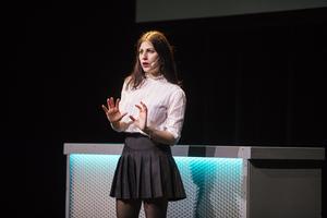 Nour El-Refai uppträdde på Kulturhuset i Falun på torsdagen.