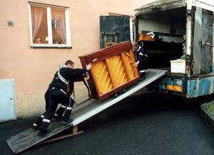 Flyttfirman på bilden är inte den som anlitas av Örebro kommun.