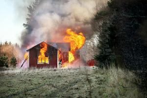 Kvinnan slog själv larm om branden, i ett samtal med sin mor.
