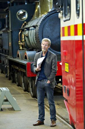 3 000 av de 10 000 kvadratmeterna fordonsmagasin på Nynäs öppnas nu för allmänheten. Robert Sjöö, chef för Trafikverkets museer, känner inte till något museimagasin som är större än järnvägsmuseets.– London Transport Museum har 600 kvadratmeter mindre – till min stora förtjusning!
