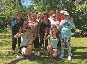Liss Elin Larsson från Delsbo och Jennie Nystedt från Östersund slog sina påsar ihop och började träning för äldre. Här på en resa i Italien.