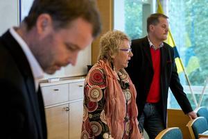 Lars Backlund, till höger, var med när Timrå IK och kommunen kallade till presskonferens i slutet av januari för att meddela att parterna kommit överens om en lösning för att få kontroll på den akuta ekonomiska krisen.