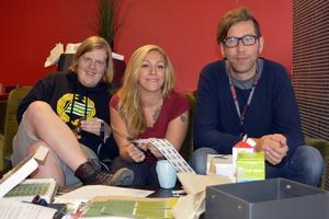 Niklas Bjermkvist, Theresa Bystedt och Mikael Andersson-Knut arbetar med det sista inför Sundsvall Block Party som hålls nästa helg.