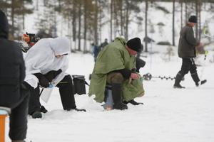 Trots regnvädret lockade pimpeltävlingen 145 deltagare från när och fjärran.