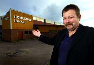 Inte orolig. BHF:s sportchef Mats Johansson tror på en ny intressant hockeyvinter i Borlänge.