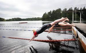 Temperaturen i Västerdalälven har redan nått 20 grader den här säsongen. Skönt, tycker Sofie Orvestedt som i år ska simma Vansbrosimmet för första gången.