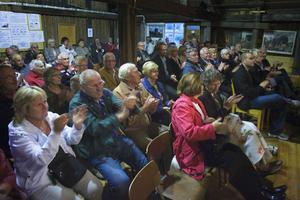 Omkring 80 betalande kom till Hyttan i Ljusne för att se minneskonserten. Det var i princip fullsatt, och arrangörerna var nöjda med uppslutningen.