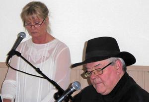 Kerstin Jansson och Benny Olsson svarade för musiken vid PRO Faluns senaste möte. Foto: Karin Jacobson.