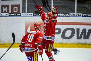 Succévärvningen Kirill Kabanov jublar över sitt 4–2-mål i måste-vinna-matchen mot Skellefteå.