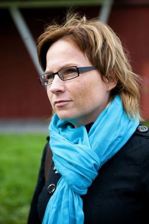 Monica Lundin (FP), förste vice ordförande i barn- och bildningsnämnden, anser att antalet gymnasieelever som hoppar av skolan är ett stort problem.