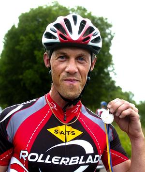 Vinnare. Thomas Braunerhielm från Team Rollerblade var först över mållinjen när fjärde omgången av Tunaturen avgjordes. Foto:Jan Dalevall
