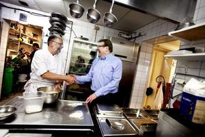 Ulrich Bichsel och Rudi Müller har jobbat ihop i över 40 år. Båda är från Schweiz och har bland annat serverat rösti och kalvlever, två Schweiziska klassiker.