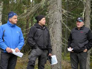 Ove Söderkvist, Johan Bergeus och Jan Rzepka deltog i utbildningen i skonsamt skogsbruk utanför Ockelbo.