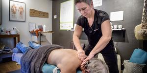 Sandra Säll, medicinsk massageterapeut och ägare till Polhemskliniken i Grusåsen är trött på att seriösa massagekliniker blandas ihop med oseriösa salonger som säljer sex.