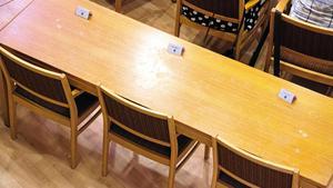 Sverigedemokraterna i Hallstahammar har haft en turbulent mandatperiod bakom sig med flera avhopp. Det har gjort att man oftast inte varit fulltaliga i kommunfullmäktige. Exempelvis i juni i fjol när ingen av de fem fanns på plats (bilden). Foto: Arkiv