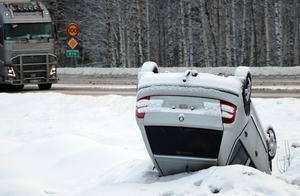 En singelolycka inträffade i början av 2019 vid korsningen mellan E14 och riksväg 83 vid Näset.