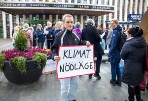 Från fredagens demonstration i Sandviken.
