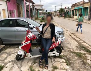 I december 2017 var paret på semester i en månad på en karibisk ö. Mannen ska ha betalat allt. Bilden är tagen ur polisens förundersökning.