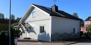 Industrigatan 8 i Sala såldes för 2400000 kronor.