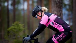 I Falun fanns trygghet. Det har varit mycket viktig i de inre resa som hon gjort under veckorna hemma i Sverige.