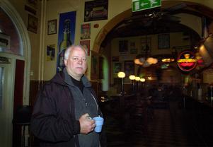 2003 genomgick CC-puben en förändring då dåvarande ägarna (Här syns Tommy Flybring) ville fräscha upp lokalerna....