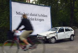 Lätta på gasen, kör aldrig full och skippa den dumma omkörningen. Foto: TT