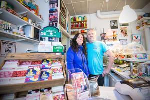 Ann och Bosse Bäcklund har lagt ut sitt retrokafé till försäljning. Fiket har under åren varit välbesökt.