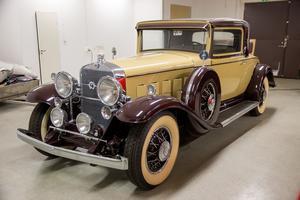 Bilen är stor och tung: 2,5 ton. Så trots V12-motorn har den sina fartbegränsningar.