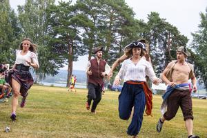 Även pirater deltog i årets Brännbollsyra.