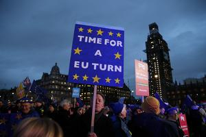 Storbritannien borde bida tiden, skriver Lars-Erik Eriksson.