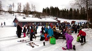 Sidsjöbacken är ett populärt utflyktsmål, speciellt vintertid men även övriga delar av året.