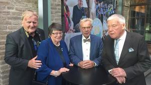 På bilden från 80-årsjubileet ser vi, från vänster, SPF Östersunds ordförande Per Söderberg, före detta förbundsordförande Christina Rogestam, distriktsordförande Anders Granbom och före detta förbundsordförande Karl Erik Olsson.