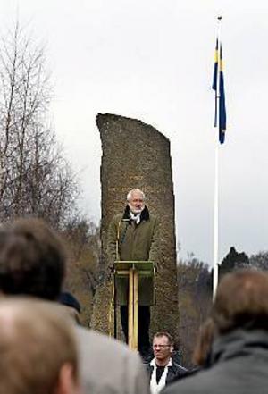 Tradition. Högskolans rektor Leif Svensson talade in våren i regementsparken.