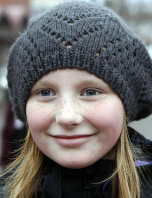 Madeleine Stagård, 10 år, Söderhamn.- Det blir ett ordentligt firande, morfar fyller år samma dag och vi firar farfar och pappa Micke med presenter också. Vi är på väg att köpa dem nu.