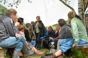 Skogsfestivalen i Haddebo för några år sedan. Lördag 13 juli är det Hjärta  och jord-festival med föreläsningar, verkstäder, musik och lite marknad.foto: Jenny Tegnér/Arkiv