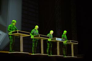 Kraftwerk på Storsjöyran 2018 var ett mäktigt allkonstverk.