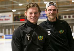 Bröderna David och Emil Knuts spelar i Malungs IF i Hockeyettan tillsammans.