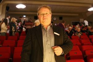 Johan Toresson har varit maskinist på biografen sedan 1987, och trivs bra under Operakvällarna. – Att träffa besökarna är halva grejen, säger han.