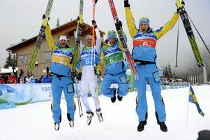 Foto: Janerik Henriksson/TT. Daniel Richarsson tog tillsammans med tidigare lagkamraterna Anders Södergren, Marcus Hellner och Johan Olsson OS-stafettguld 2010.