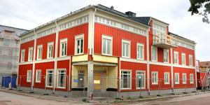 Salas nya vårdcentral i Östra kvarteren hyllas för sin fina fasad.