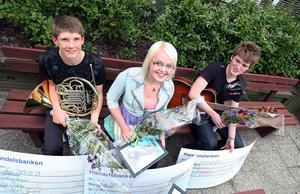 Gina Eriksson, Uno Dvärby och Viktor Johansson var de första ungdomarna som premierades genom Åke Palos minnesfond.